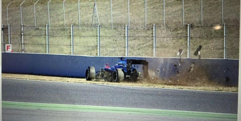 incidente alonso test barcellona 2015 (3)