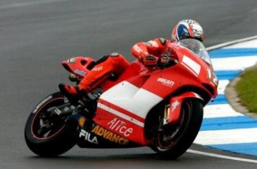 troy bayliss test valencia 2007