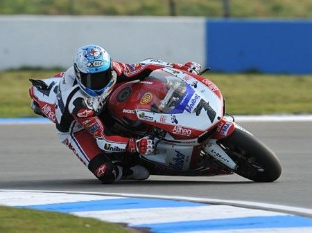 Carlos Checa superpole donington 2011