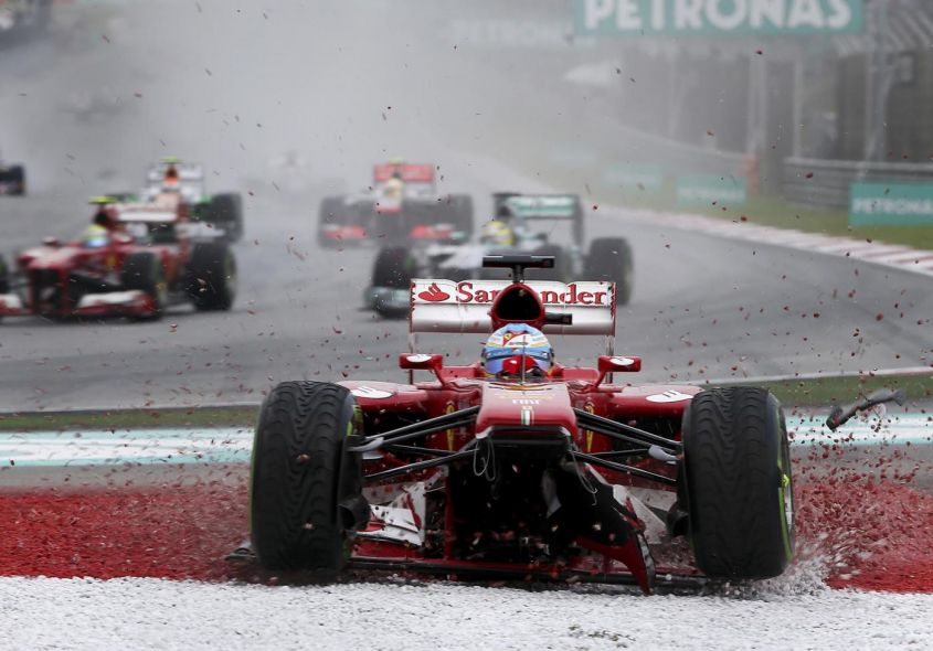 GP Malesia F1 2013 incidente alonso