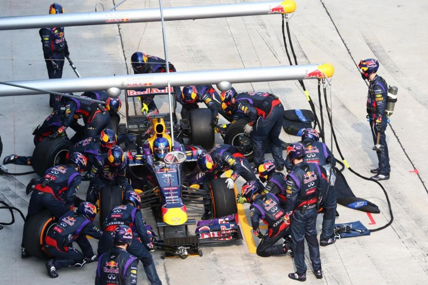 F1 2013, Red Bull pit stop record: 2.05 secondi!