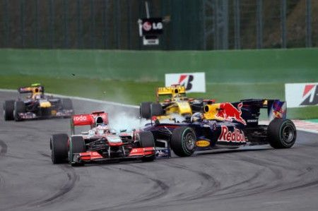 gp belgio f1 2010 incidente vettel button