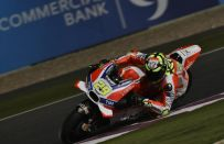 MotoGP Qatar 2016, risultati prove libere 2: Iannone in testa, Yamaha indietro