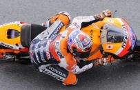 MotoGP Germania 2011: pole position per Stoner, male Valentino Rossi
