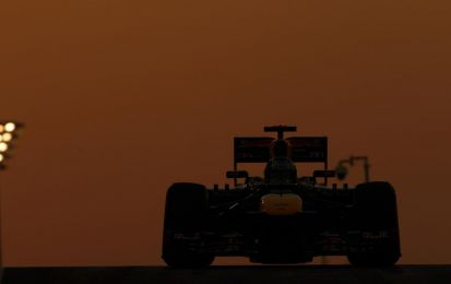GP Abu Dhabi F1 2013, qualifiche: Webber in pole position! Ferrari fuori dalla top ten con Alonso [FOTO]