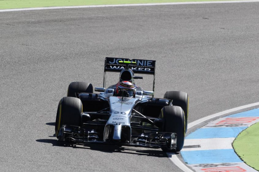 GP Germania F1 2014, Magnussen beffa Red Bull e Alonso