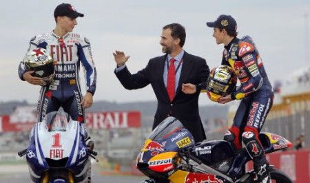 MotoGP 2011: Lorenzo visita in Indonesia
