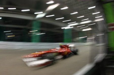 GP Singapore F1 2010: pole position ad Alonso!